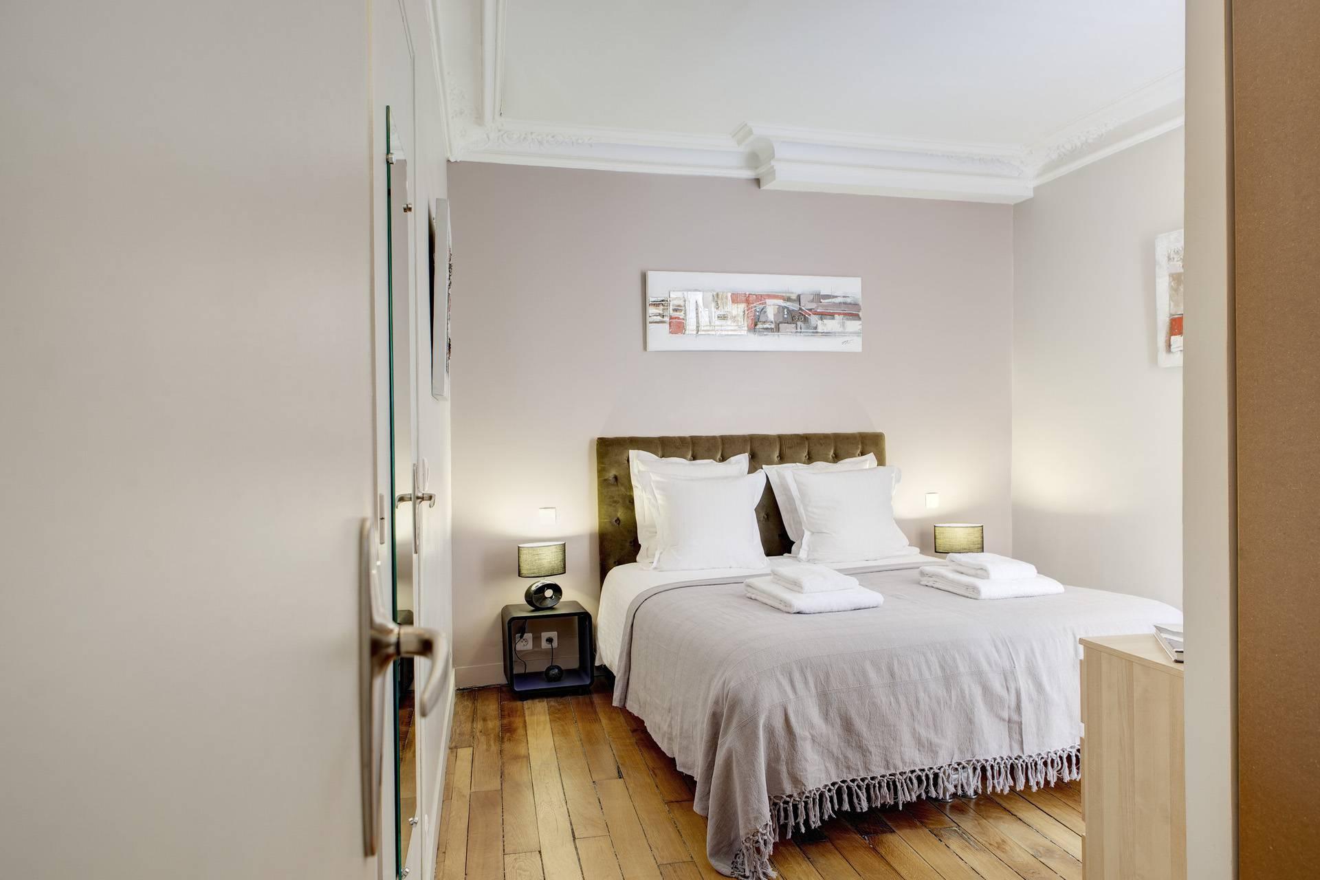Appartement bonne nouvelle paris for Chambre de bonne paris 16