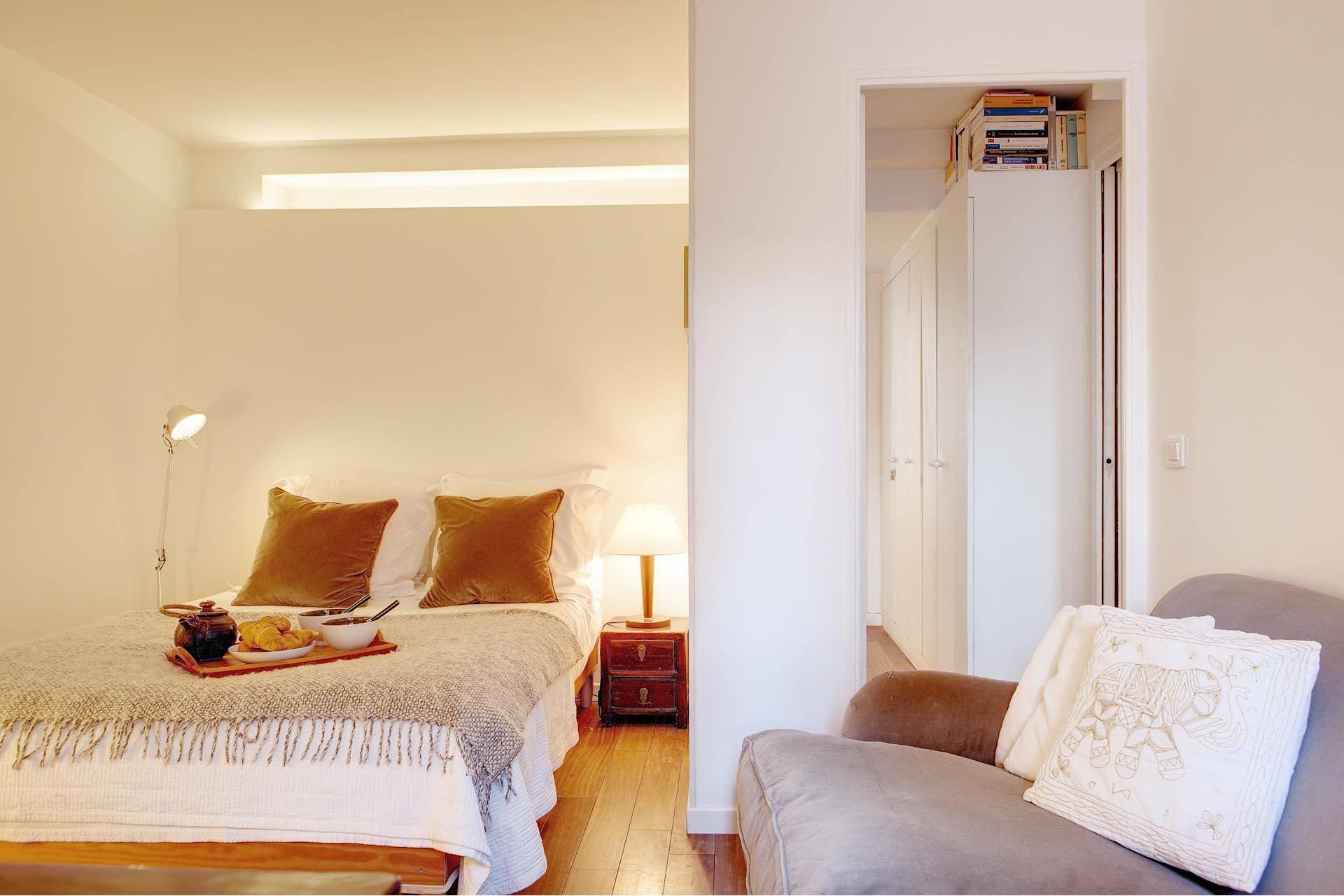appartement halles de paris paris. Black Bedroom Furniture Sets. Home Design Ideas